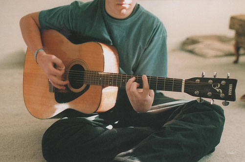 CME2 Lesson10 她喜欢弹吉他